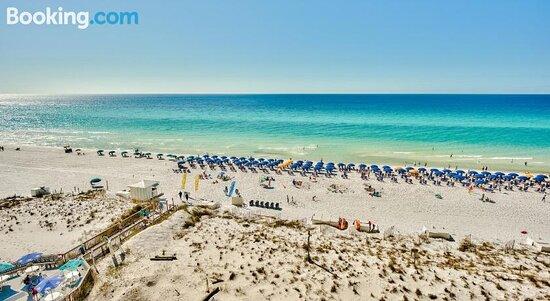 Pelican Beach Resort By Tufan