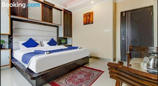 Hilltop Courtyard family suites for 1 to 6 people