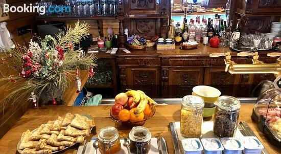 Maxmillian Pension & Restaurant