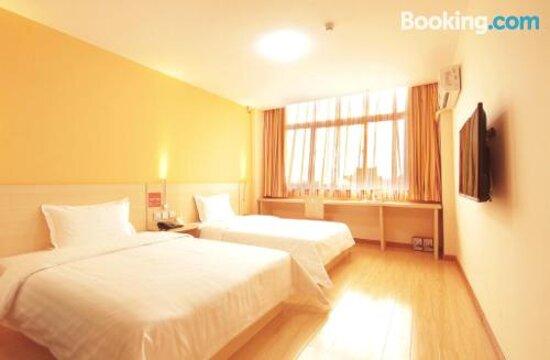 7 Days Inn Kaifeng Songdu Yujie