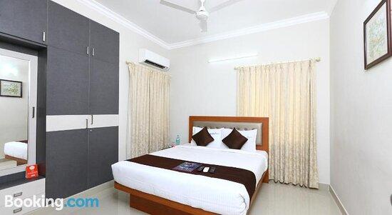 R Hotel - Manapakkam