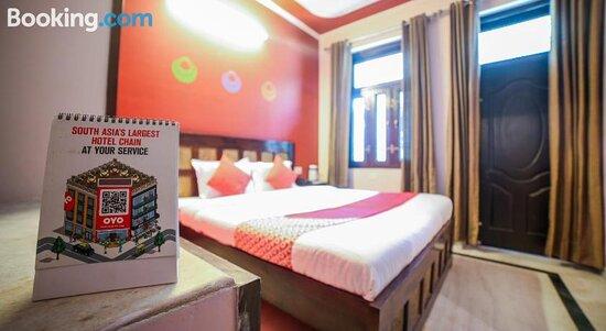 OYO 22941 Hotel D Square