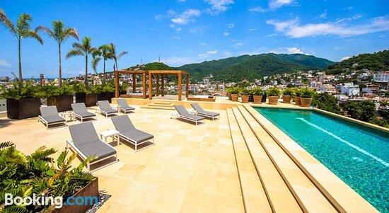 Luxury Condos Romantic Zone