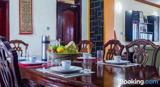 Bona Safari Villa Bunamwaya
