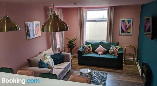 Highcliffe Apartments