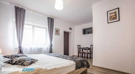 Cosy Hotel-Style Room In Historical Brasov