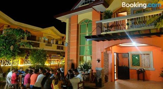 The Orange House - Vigan Villa