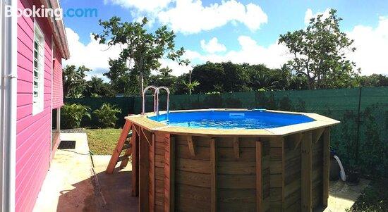 Les jardins de CHANTILLY -Bungalows avec jardins et piscines privees