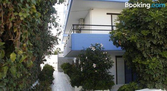 George's Studios Apartments