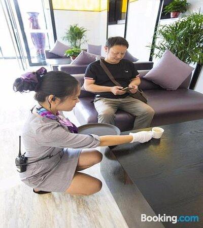 Lavande Hotel Zhengzhou Jingkai District International Wuliu Garden