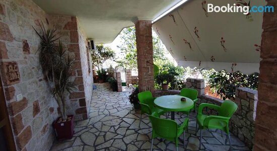 Pictures of Altin Skrapari Guesthouse - Ksamil Photos - Tripadvisor