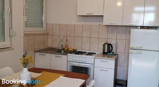 Gambar Apartments Ljuba - Rogoznica Foto - Tripadvisor