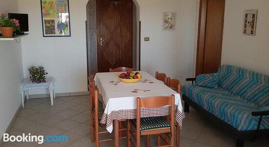 Foto de Casa Vacanze Ponzetta, Torre Pali: Dining area - Tripadvisor