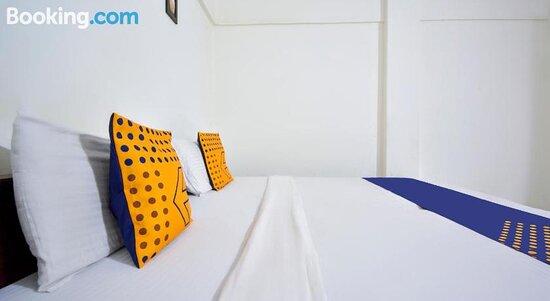 Foto de SPOT ON 39952 Hotel Silverton, Jalandhar: Bedroom - Tripadvisor