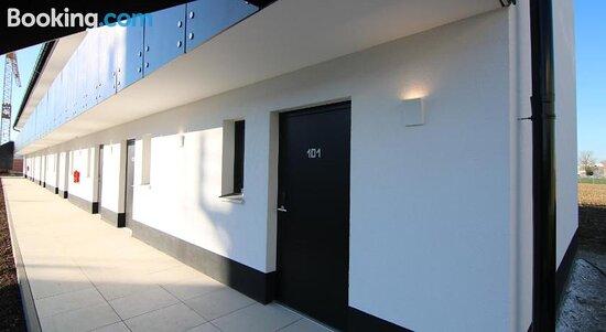 Facade/entrance