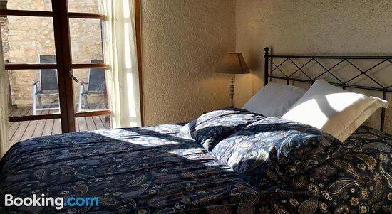 Solarium - Picture of La Olivera Hotel Rural Suites, Albinyana - Tripadvisor
