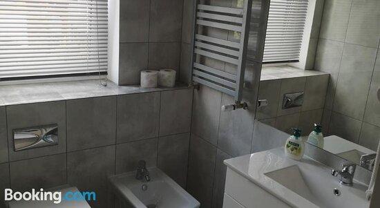 Communal lounge/ TV room - Ảnh của Willa Magnolia, Szczecin - Tripadvisor