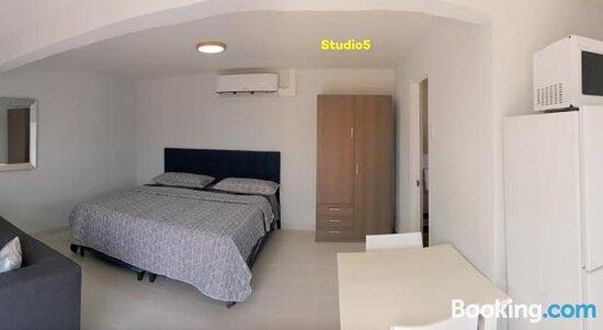 Property logo or sign - Varadero Marina Airport Guests Rooms, Aruba Resmi - Tripadvisor