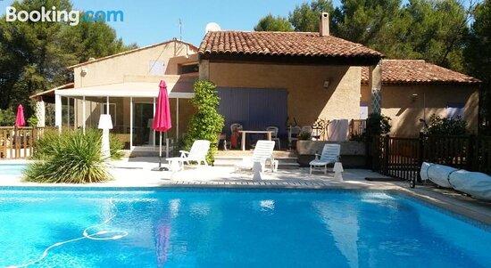 Tripadvisor - Swimming pool - תמונה של Gites Croignes-Ponant, למבסק