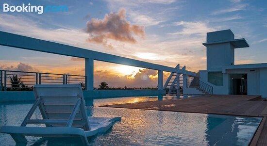 TV and multimedia - 多明尼加共和國Punta Cana Bavaro Suites Pool的圖片 - Tripadvisor