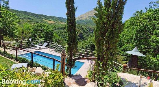 Hot Tub - MarcheAmore - La Roccaccia, Montefortino Resmi - Tripadvisor