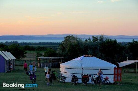 Photos de Dharma Horse Shelter Bungalows & Farmping - Photos de Siofok - Tripadvisor