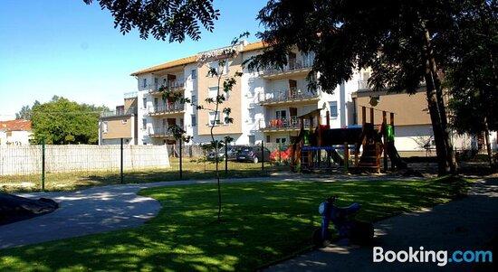 Εικόνες του Cserkeszolo Apartmanhaz – Φωτογραφίες από Cserkeszolo - Tripadvisor