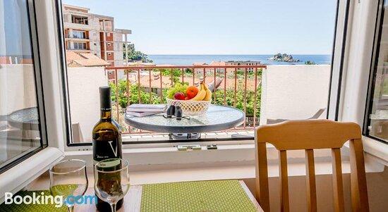 Tripadvisor - صور مميزة لـ Apartments and Rooms Vjera - Petrovac صور فوتوغرافية