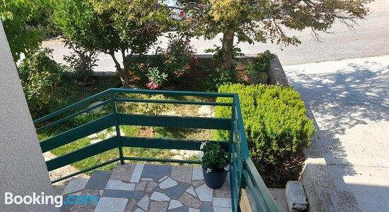 Снимки Apartments Dolac – Примоштен фотографии - Tripadvisor