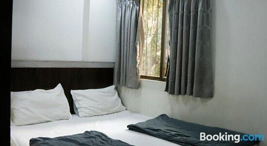 Tripadvisor - صور مميزة لـ Hotel White Rose & Dormitory - سورات صور فوتوغرافية