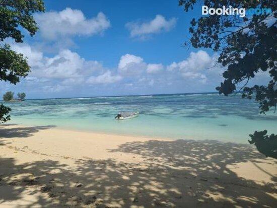 Foto's van La Digue Luxury Beach Bungalow – foto's La Digue - Tripadvisor