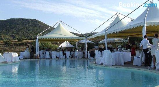 Bilder von Hotel Ristorante La Tana Di Li Mazzoni – Fotos von Sardinien - Tripadvisor