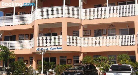 Front view– Aufnahme von Antigua Seaview - Tripadvisor