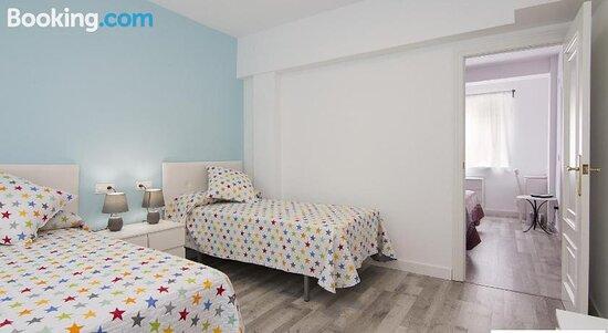 Pictures of Apartamento Familiar Cisne - Granada Photos - Tripadvisor