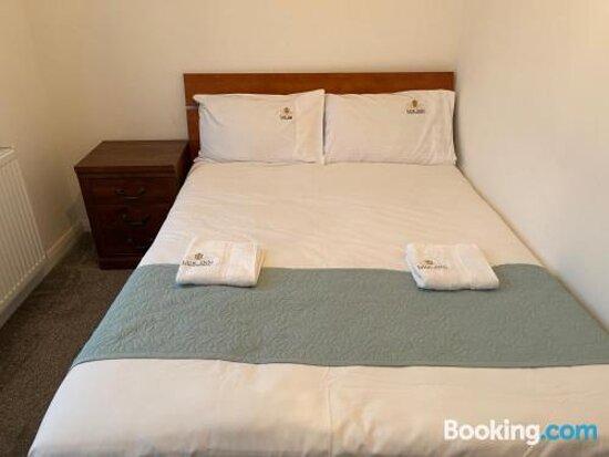 Pictures of Lux Inn Aparthotel - Manchester Photos - Tripadvisor