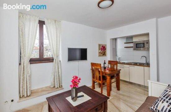 Pictures of Luxury Apartments Perko - Kastel Stari Photos - Tripadvisor