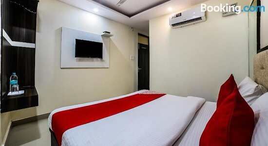 Pictures of OYO 36716 Arjun Deluxe Guest House - New Delhi Photos - Tripadvisor