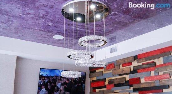 Tripadvisor - תמונות של Lotus BLU Inn & Suites - לונג איילנד סיטי תצלומים