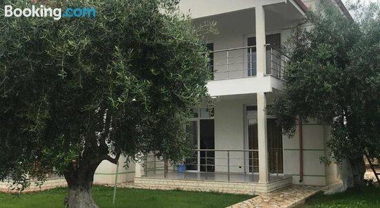 Pictures of Guest House Aris - Piqeras Photos - Tripadvisor