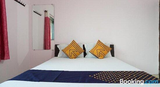 Gambar SPOT ON 80316 Hotel Aryan Lodging And Boarding - Nighoje Foto - Tripadvisor