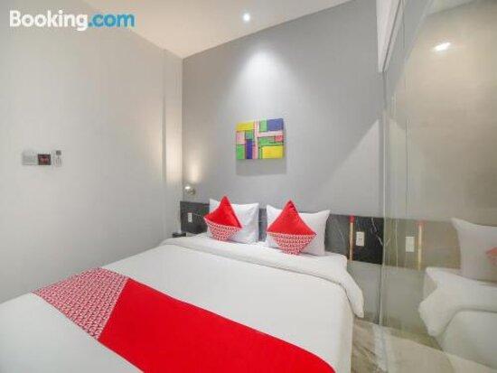 Tripadvisor - תמונות של OYO 90447 Kardopa Hotel Megapark - מדאן תצלומים