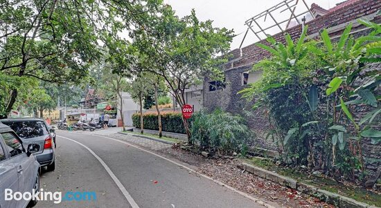 Pictures of OYO 90479 The Ethnic Hotel Bandung All Suites - Bandung Photos - Tripadvisor