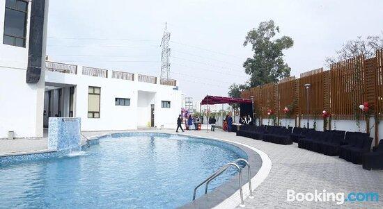 TDI Club Retreat Mohali Phase – 1の画像 - モハリの写真 - トリップアドバイザー