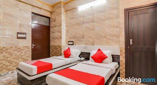 Tripadvisor - תמונות של OYO 76340 Hotel Pradeep Palace - לאקנאו תצלומים
