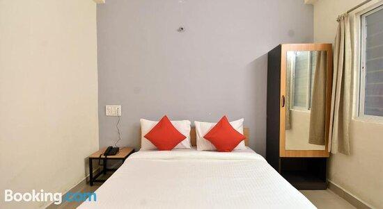 Pictures of OYO 79193 Flagship Novel Inn - Pune Photos - Tripadvisor