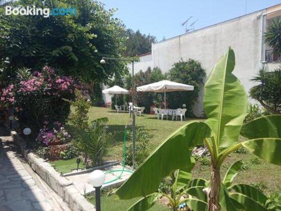 Vangeli's Garden Houseの画像 - Nea Poteidaiaの写真 - トリップアドバイザー