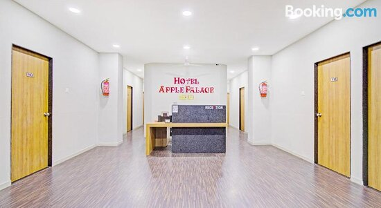 Pictures of OYO 80126 Collection O Apple Palace - Surat Photos - Tripadvisor