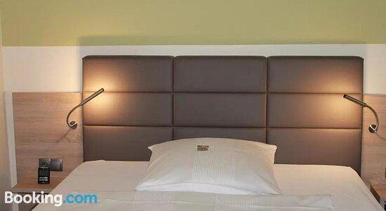 Снимки LA MAISON HOTEL   BOARDINGHOUSE – Deuz фотографии - Tripadvisor