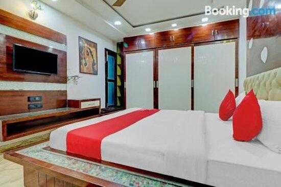 Снимки OYO 78950 Hotel Grand Velly – Газиабад фотографии - Tripadvisor