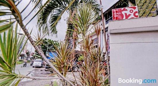 Pictures of OYO 90450 Scala Inn - Medan Photos - Tripadvisor